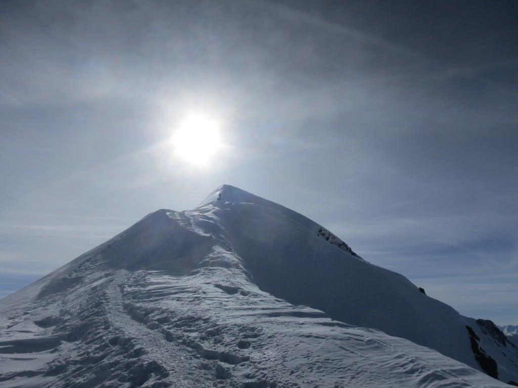 plus très loin du sommet
