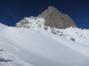 descente versant sud au pied des voies d'escalade