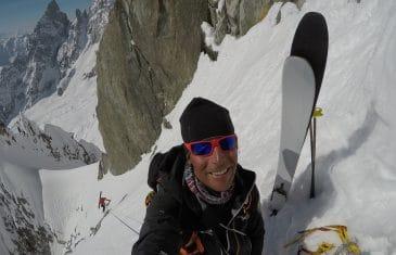 Descente à skis du glacier de la brenva
