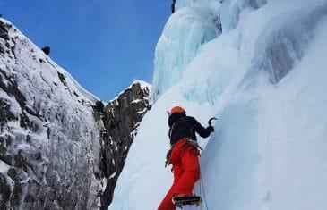 Cascade de glace Shiva lingam WI6